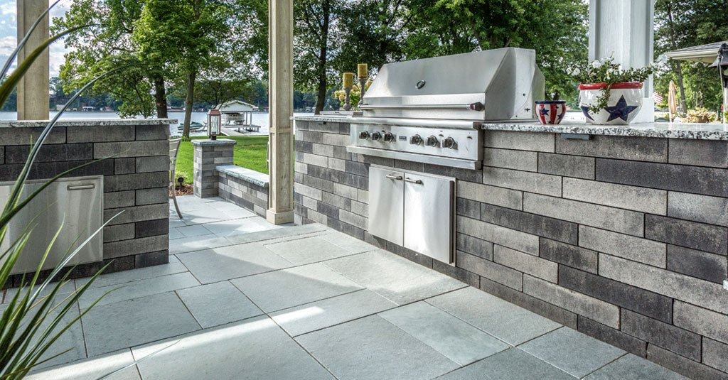 5 Tips For Getting Your Columbus Oh Outdoor Kitchen Ready For Springtime Entertaining Unilock