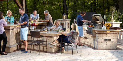 build an outdoor kitchen - Unilock Patio Designs