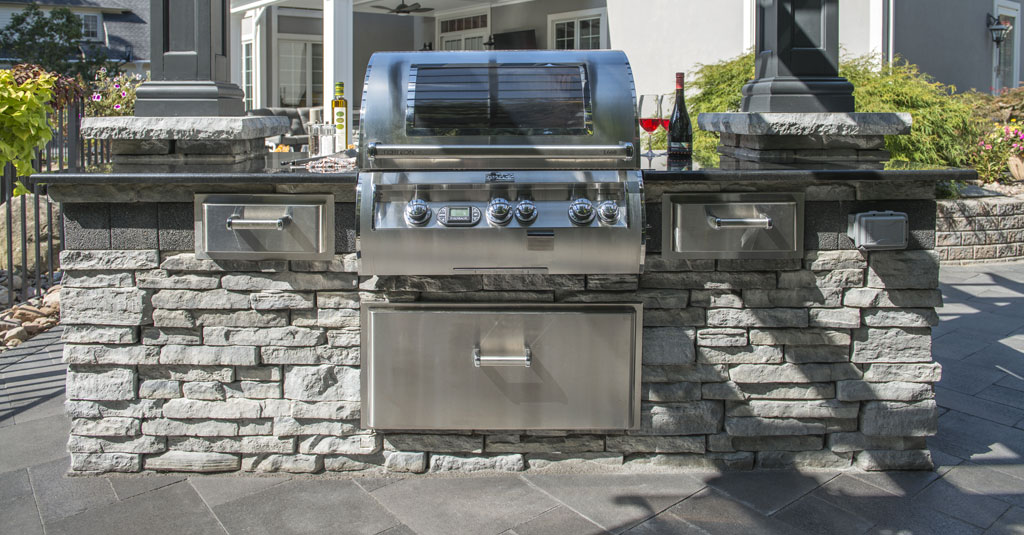 Huntington Bay, NY | Islip, NY Outdoor Kitchen Hardscape