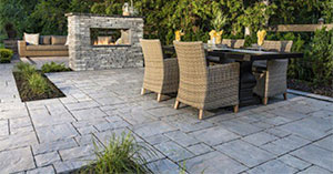 Patio Design Ideas: Using Concrete Pavers for Big Backyard Style