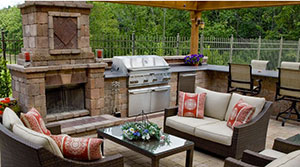 Creating Outdoor Kitchens Fit for Entertaining