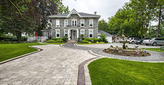 Welcome Guests with the Ultimate Curb Appeal