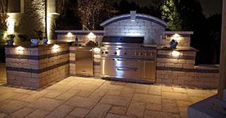 10 Outdoor Kitchen designs sure to Inspire
