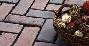 3 Categories of Pavers: Concrete, Natural Stone, and Porcelain