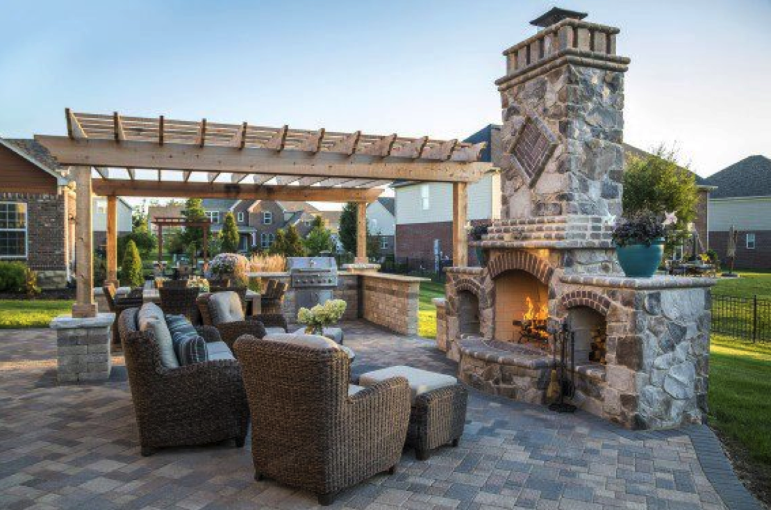 related read using paver patterns to transform your patio design - Unilock Patio Designs