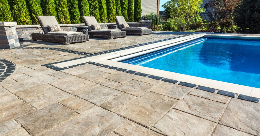 6 excellent flagstone substitutes with added durability Flagstone pavers around pool