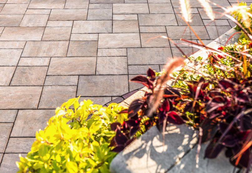Unilock Beacon Hill Flagstone paver patio