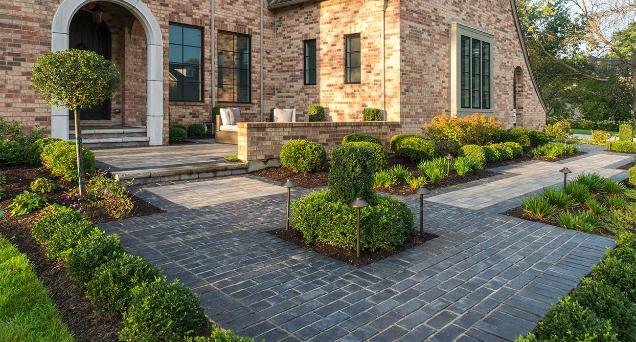 Creating Warm Welcomes With Front Entrances And Walkways Unilock