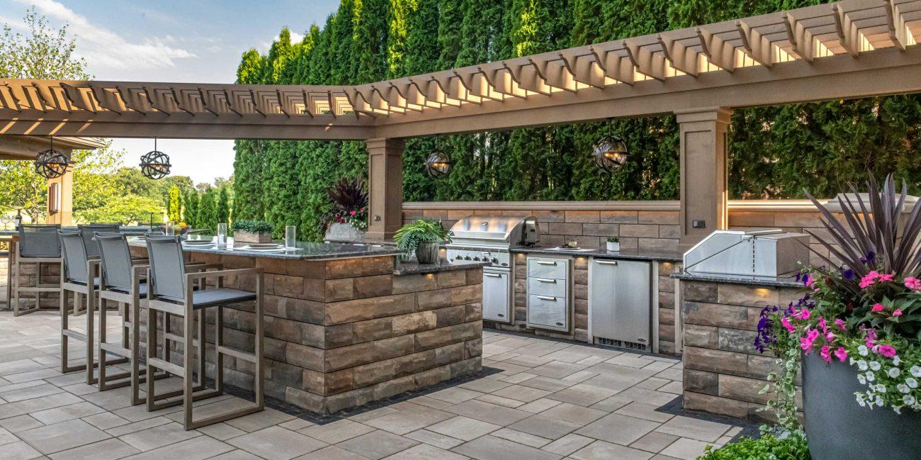 U Cara Outdoor Kitchen With Smooth Patio Pavers Unilock