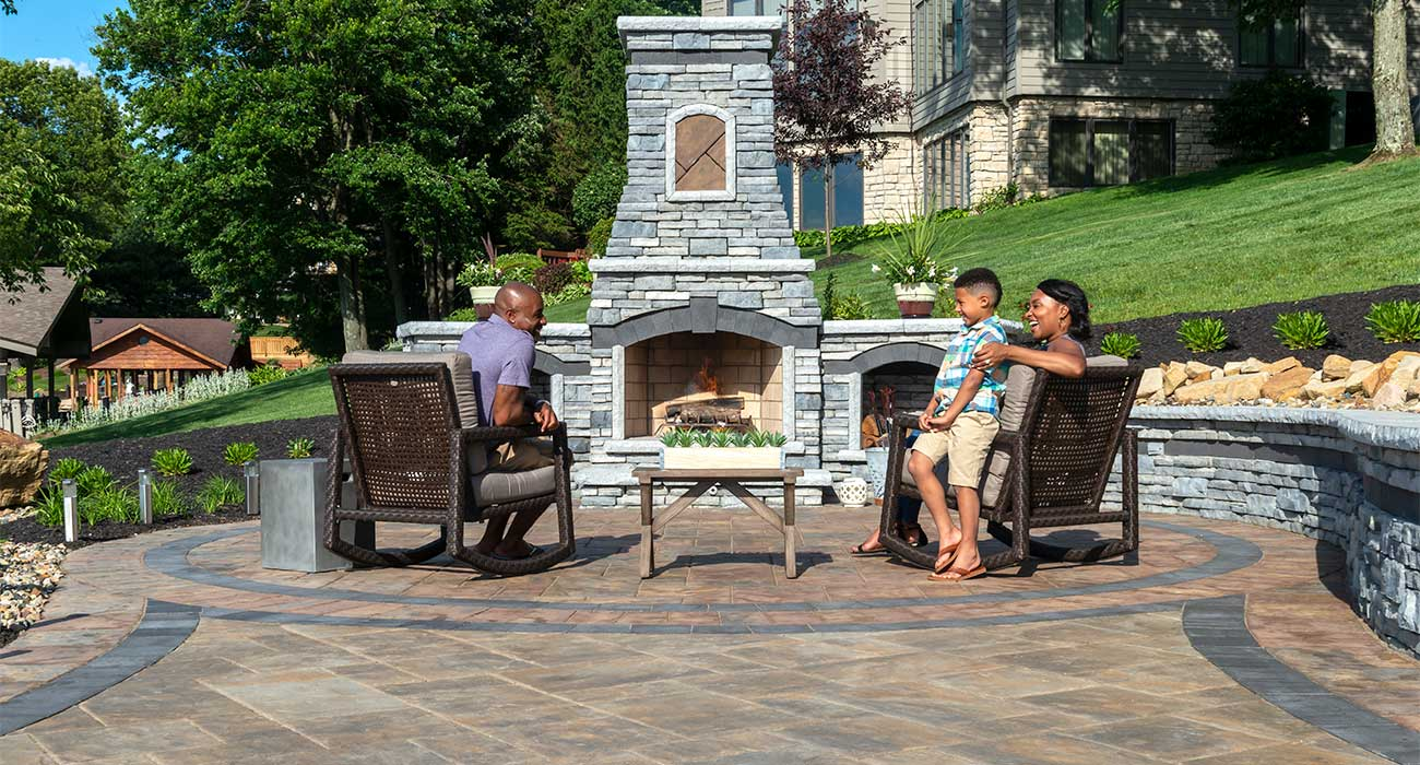 Material Choices For Your Outdoor Fireplace Unilock