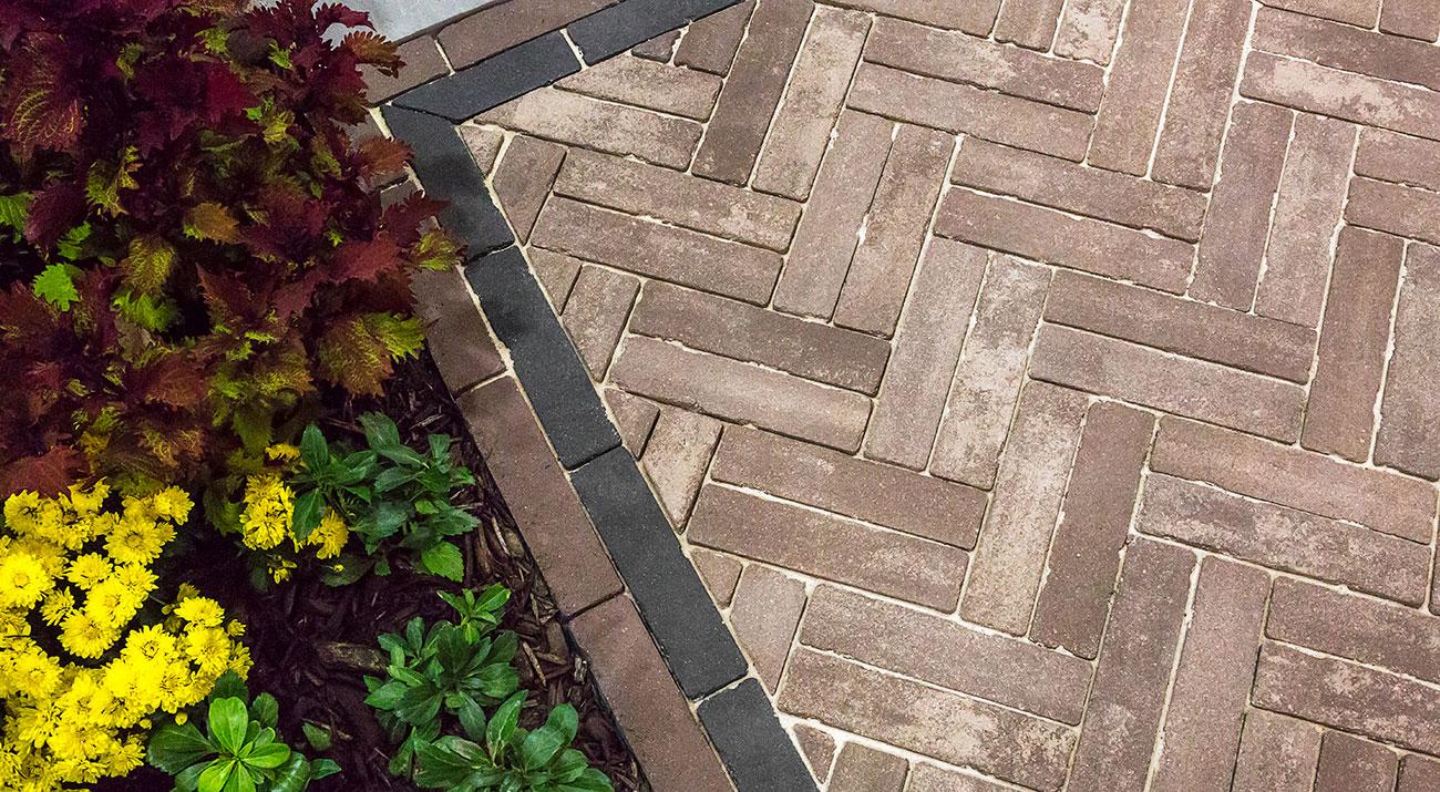Unilock Mattoni antiqued paver EnduraColor patio and walkway