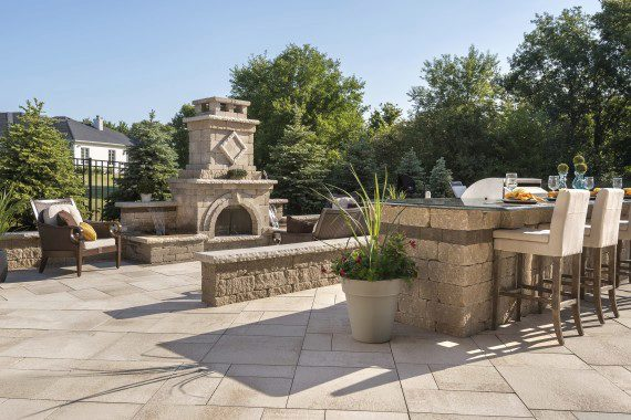 4 Monochrome Concrete Paver Options for Outdoor Kitchens in Oyster Bay Cove, NY