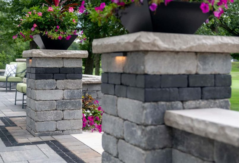 Olde Quarry pillars with Copthorne accent
