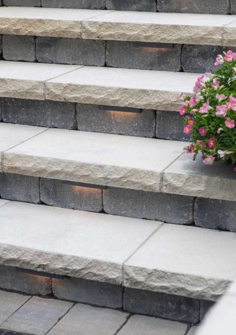 Ledgestone steps with Olde Quarry