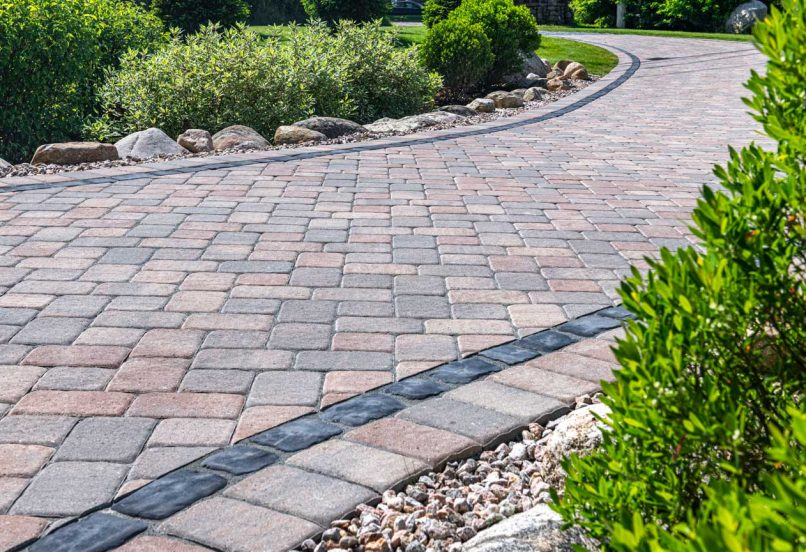 Beauty shot of Camelot Driveway with a Courtstone accent