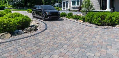 Camelot driveway with a Courtstone accent