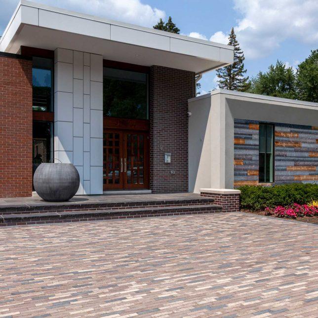 Ultra modern design with Mattoni driveway