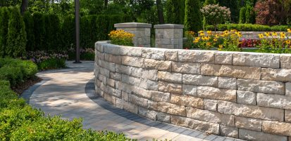 Curved retaining wall made with Mackinaw product